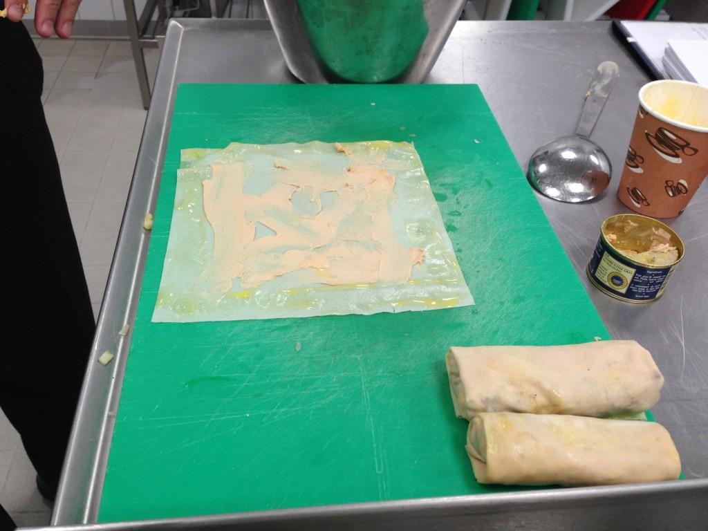 Gastroblog_FMM_forårsruller_foie gras smurt på dejen