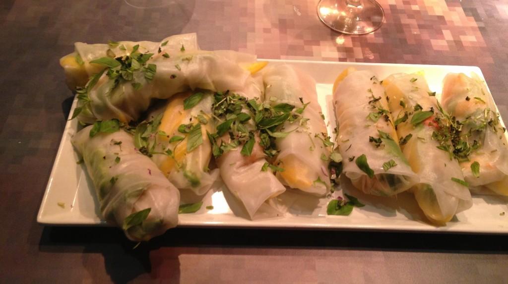 Gastroblog_FMM_forårsruller_friske ruller med mango-avocado-stegte rejer og hjertesalat
