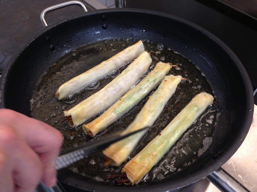 Gastroblog_FMM_forårsruller_vi steger introrullen